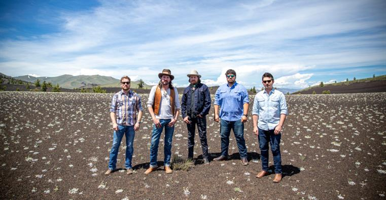 Micky-and-the-motorcars-2019-press-photo-craters-of-the-moon-1024x683
